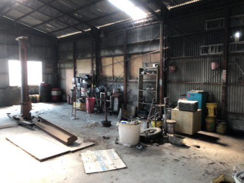 倉庫内の写真(旧整備工場用の倉庫)