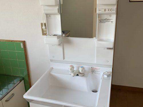 洗面台も新しくしました。
