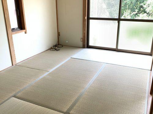 畳も表替えしております。 (寝室)