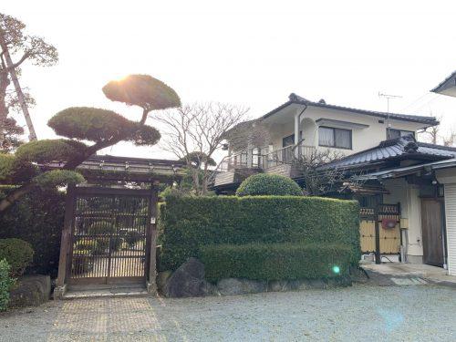 日本庭園と和風モダンの古家