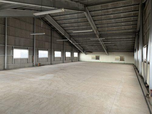 倉庫の天井部分に広いスペースあり!