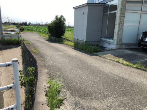 南側の道路写真。(外観)